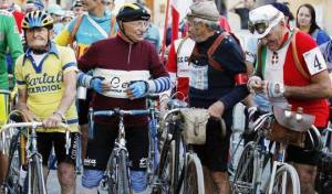 """""""Não deixas de pedalar porque envelheces, envelheces porque deixas de pedalar"""""""