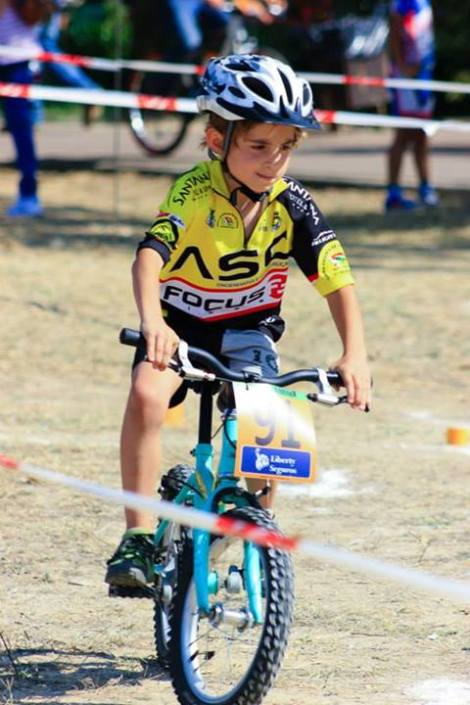 O francisco é benjamim (classe de benjamins 7/8 anos, fazem apenas destreza nas provas oficiais), aqui durante uma das mangas no Encontro Nacional de Escolas de Ciclismo em Almeirim.