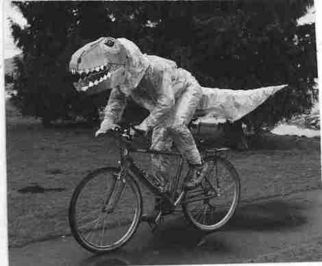 dinossauro pedalar
