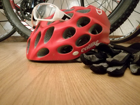 capacete luvas oculos helmet glasses gloves mtb